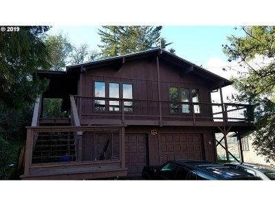 Roseburg Single Family Home For Sale: 1281 SE Strong Ave