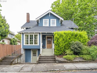 Single Family Home For Sale: 4733 SE Yamhill St