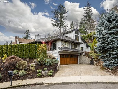 Lake Oswego Single Family Home For Sale: 2925 Orchard Hill Pl