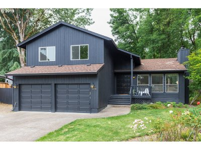 Beaverton Single Family Home For Sale: 13795 SW Martingale Ct