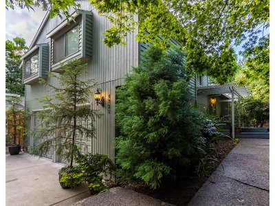 Portland Single Family Home For Sale: 4725 SW 50th Ave