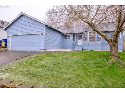 Salem Single Family Home For Sale: 960 NW Jev Ct