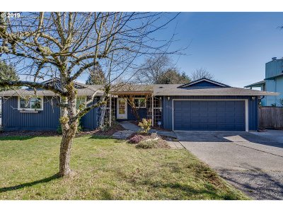 Camas Single Family Home For Sale: 2932 NW Kent St