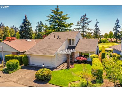 Tigard Single Family Home For Sale: 10100 SW Highland Dr