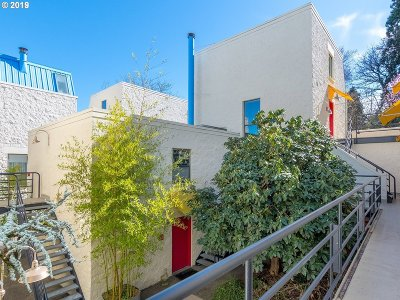 Condo/Townhouse For Sale: 1931 NW Hoyt St