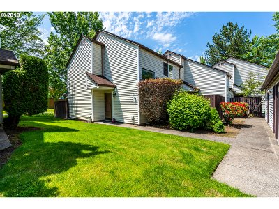 Beaverton Condo/Townhouse For Sale: 5767 SW 204th Pl