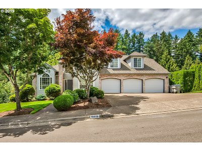 Tigard Single Family Home For Sale: 15213 SW Ashley Dr