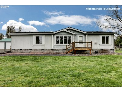 Clackamas County Single Family Home For Sale: 28811 SE Highway 224