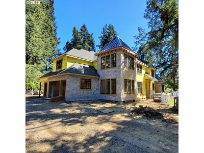 Lake Oswego Single Family Home For Sale: 17036 Canal Cir