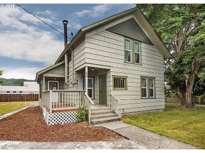 Cowlitz County Single Family Home For Sale: 536 SW 2nd Ave SW