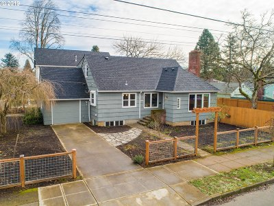 Portland Single Family Home For Sale: 3608 SE 70th Ave