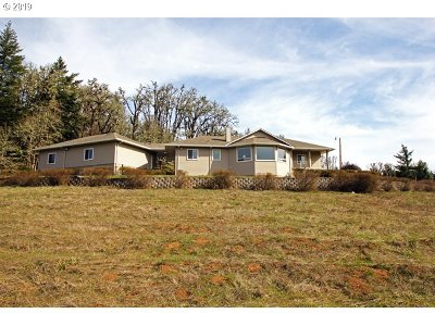 Springfield Single Family Home For Sale: 36842 Wallace Creek Rd
