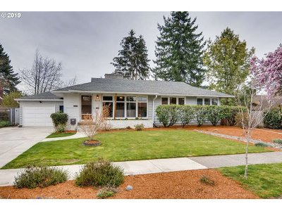 Single Family Home For Sale: 9630 SW Ardenwood St