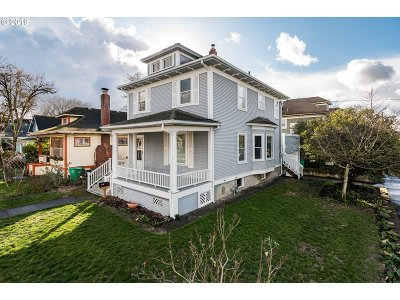 Portland Single Family Home For Sale: 1707 SE 35th Ave