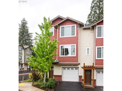 Portland Condo/Townhouse For Sale: 300 NW 116th Ave