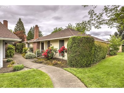 Beaverton Single Family Home For Sale: 5045 SW Rocklynn Pl