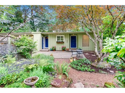 Multnomah County Single Family Home For Sale: 10332 SW Lancaster Rd