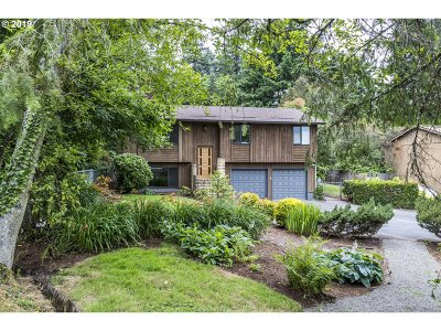 Portland Single Family Home For Sale: 9118 SW 38th Ave