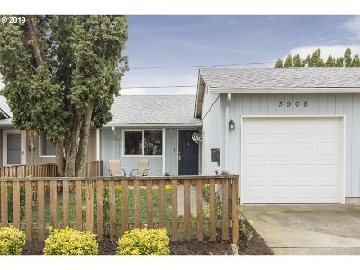 Single Family Home For Sale: 3908 N Juneau St