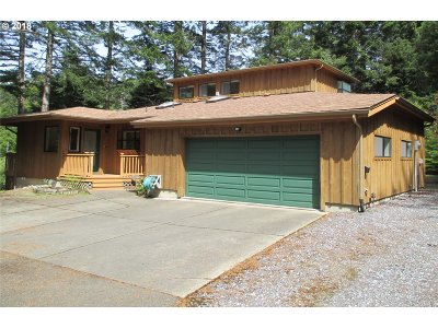 Bandon Single Family Home For Sale: 88605 Weiss Estates Ln