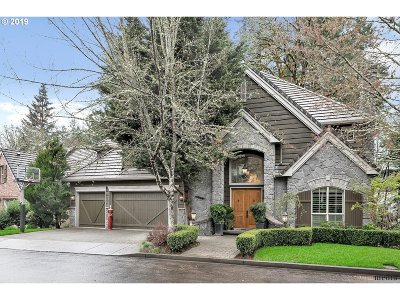 Lake Oswego Single Family Home For Sale: 4027 Canal Woods Ct