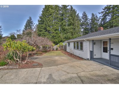 Coos Bay Single Family Home For Sale: 1490 S 17th