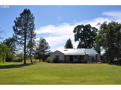 Junction City Single Family Home For Sale: 93710 Territorial Hwy