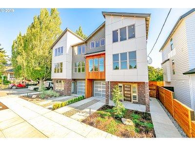 Portland Single Family Home For Sale: 1784 SE Brooklyn St
