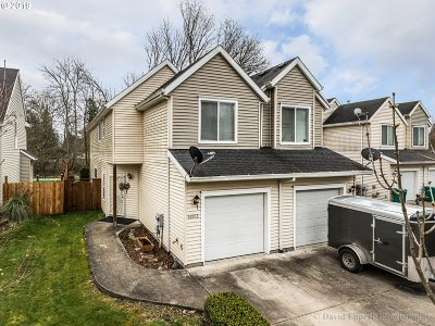 Scappoose Condo/Townhouse For Sale: 52012 SW Johanna Dr