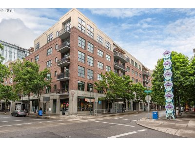 Portland Condo/Townhouse For Sale: 821 NW 11th Ave #305