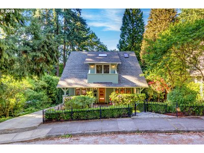 Portland Single Family Home For Sale: 2833 SW Upper Dr