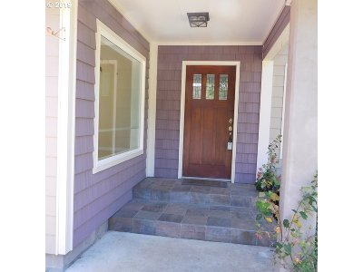 North Bend Single Family Home For Sale: 93909 Raymond Ln