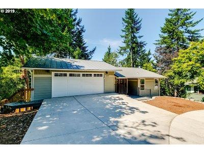 Eugene Single Family Home For Sale: 2259 Corinthian Ct