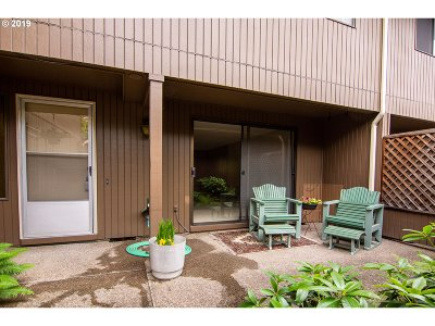 Eugene Condo/Townhouse For Sale: 2301 Ridgeway Dr
