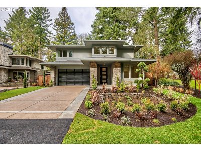 Lake Oswego Single Family Home For Sale: 1023 Bayberry Rd