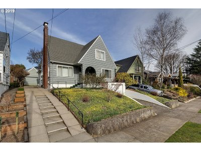 Portland Single Family Home For Sale: 4151 NE Couch St