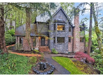 Lake Oswego Single Family Home For Sale: 18034 Westview Dr