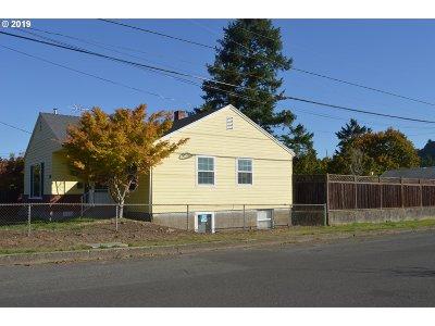 Portland Single Family Home For Sale: 3104 NE 84th Ave