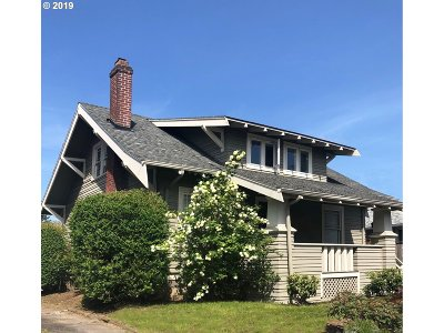 Portland Single Family Home For Sale: 5645 SE 52nd Ave