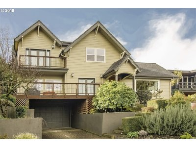 Multnomah County Single Family Home For Sale: 7525 SW Kelly Ave
