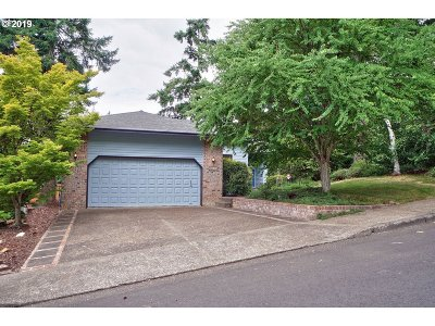 Beaverton Single Family Home For Sale: 6845 SW 158th Ave