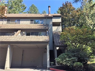 Lake Oswego Condo/Townhouse For Sale: 4041 Jefferson Pkwy