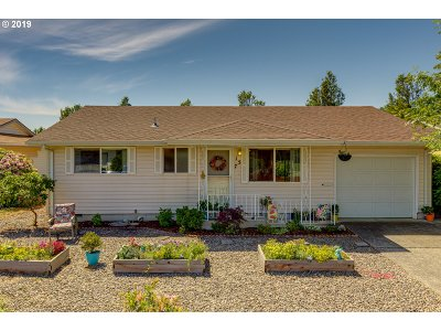 Woodburn Single Family Home Pending: 157 S Columbia Dr