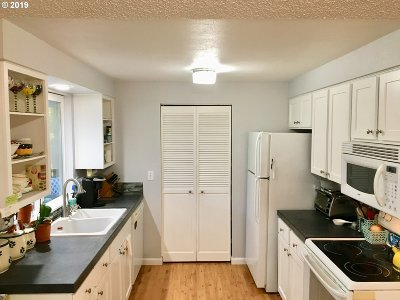 Clark County Single Family Home For Sale: 1203 NW 55th Loop