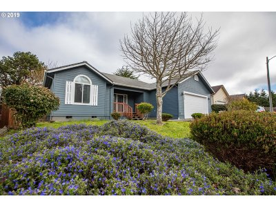 Coos Bay Single Family Home For Sale: 935 Seagate