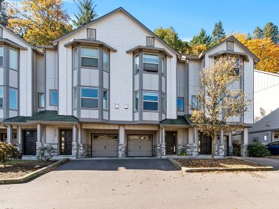 Portland Condo/Townhouse For Sale: 9237 NW Germantown Rd