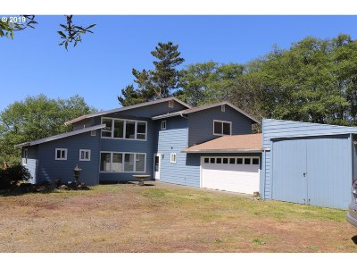 Brookings Single Family Home For Sale: 99260 Winchuck River Rd