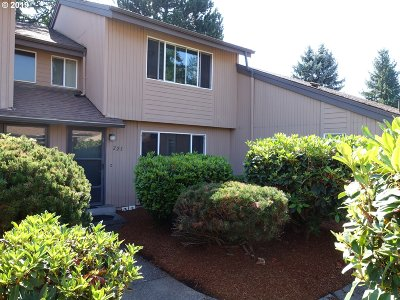 Keizer Condo/Townhouse For Sale: 225 McNary Heights Dr