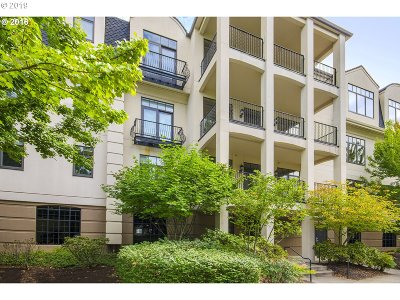 Condo/Townhouse For Sale: 707 N Hayden Island Dr #226