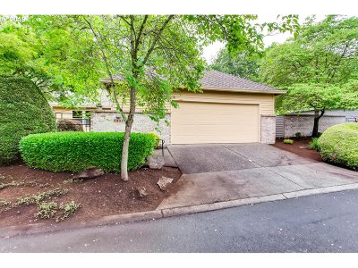 Wilsonville Single Family Home For Sale: 7495 SW Lakeside Dr